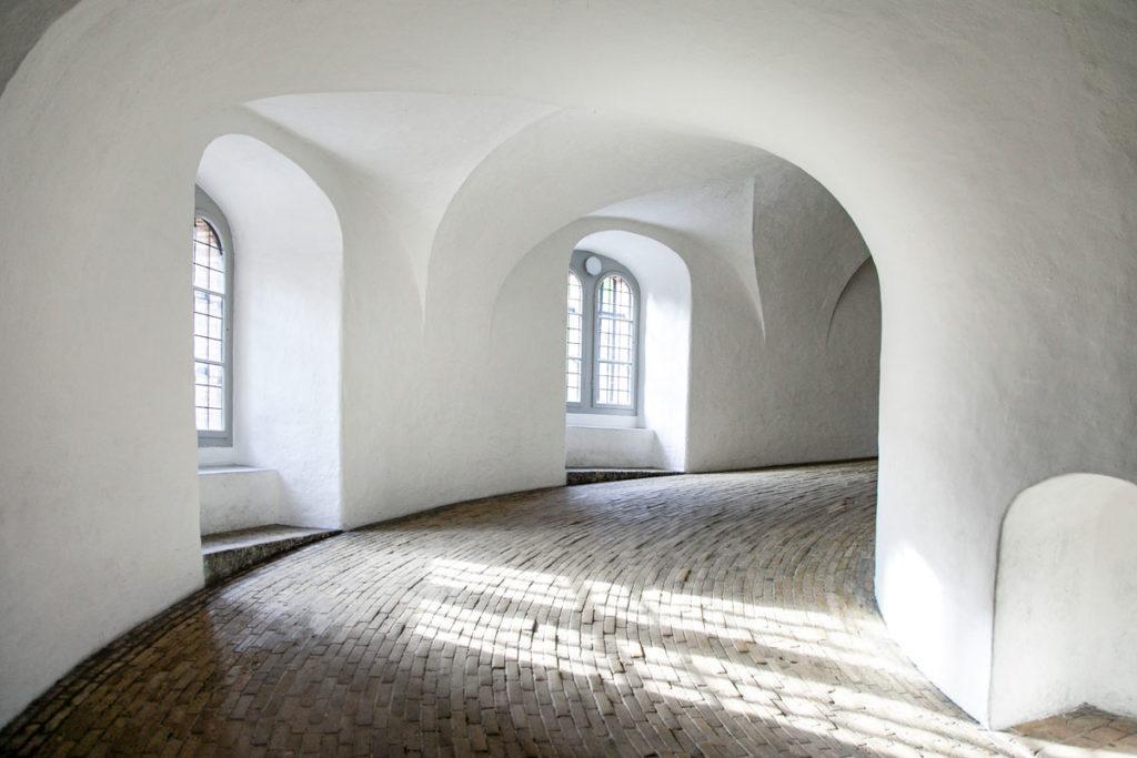Salita dentro alla Rundetardn - Torre Circolare di Copenaghen