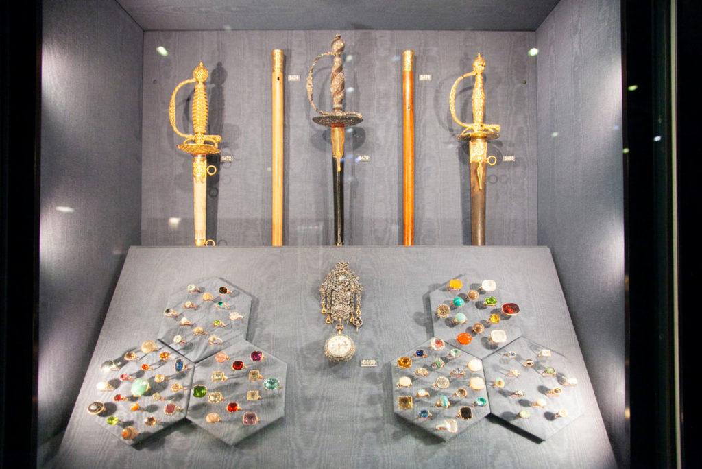 Spade e gioielli della monarchia danese