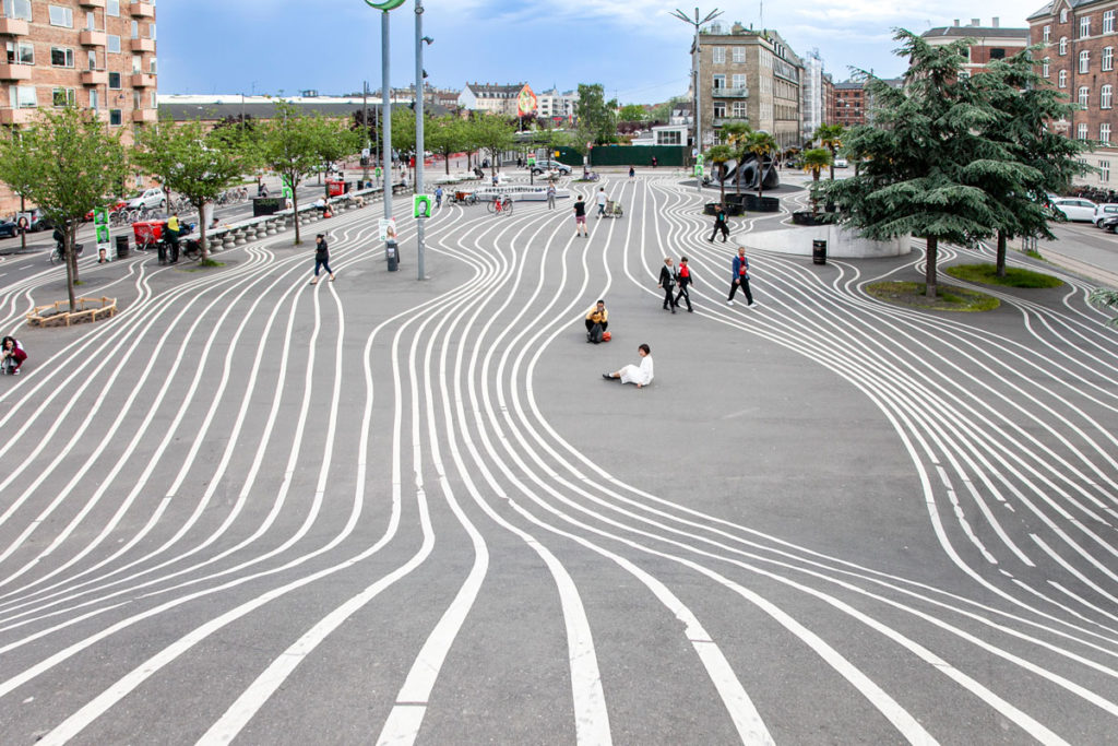 Superkilen - Parco Pubblico con Strisce Curve a Copenaghen