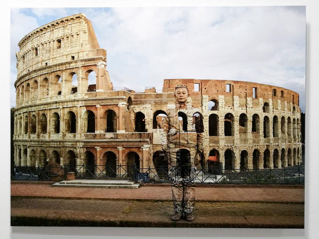 Colosseo Numero 2 - Liu Bolin e il suo mimetismo fotografico