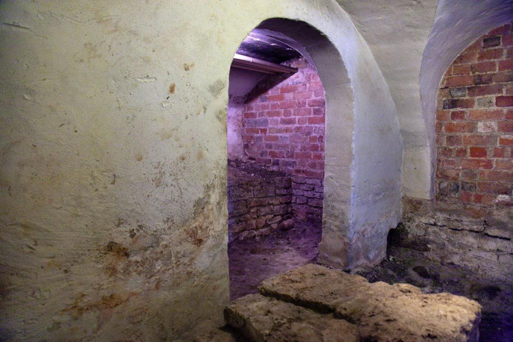 Accesso alla Cripta della Cattedrale di San Canuto