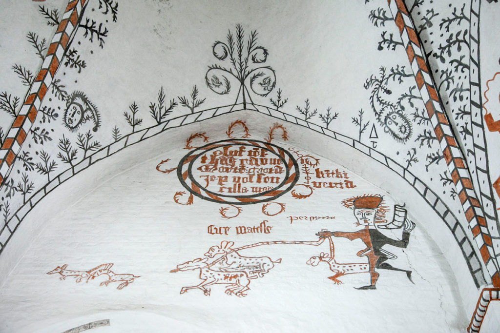 Affreschi del XIV e XV secolo dentro alla chiesa di Stege