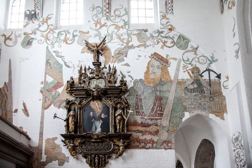 Affreschi del XV secolo dentro al duomo di Aarhus