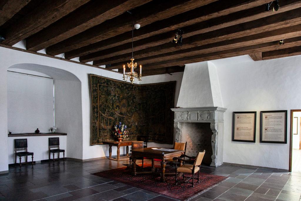 Appartamenti reali del Castello di Amleto - Arredamento e Camino
