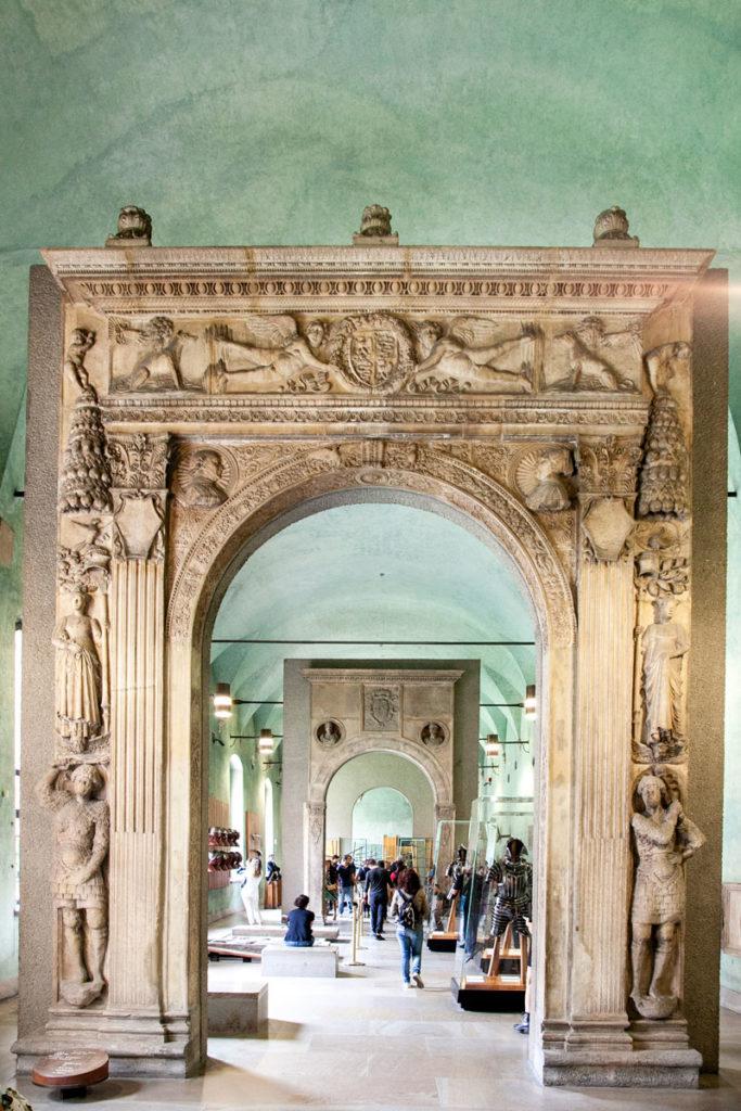 Archi storici nel museo d'arte antica - Castello Milano