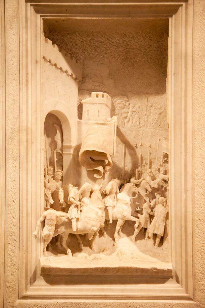 Bassorilievi nel museo di arte antica