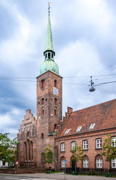 Campanile e ingresso alla Vor Frue Kirke - Aarhus