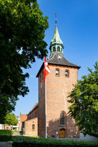 Campanile e ingresso alla chiesa di San Nicolai - Cosa vedere a Svendborg