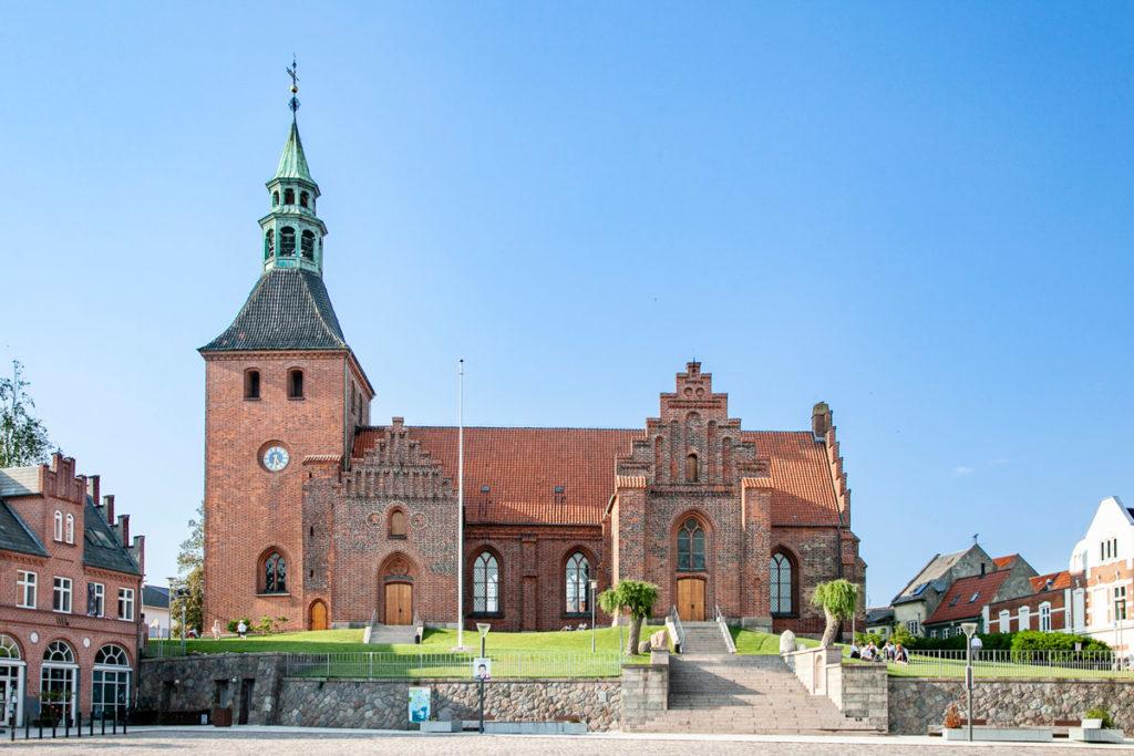 Chiesa Luterana Vor Frue Sogn su piazza principale di Svendborg
