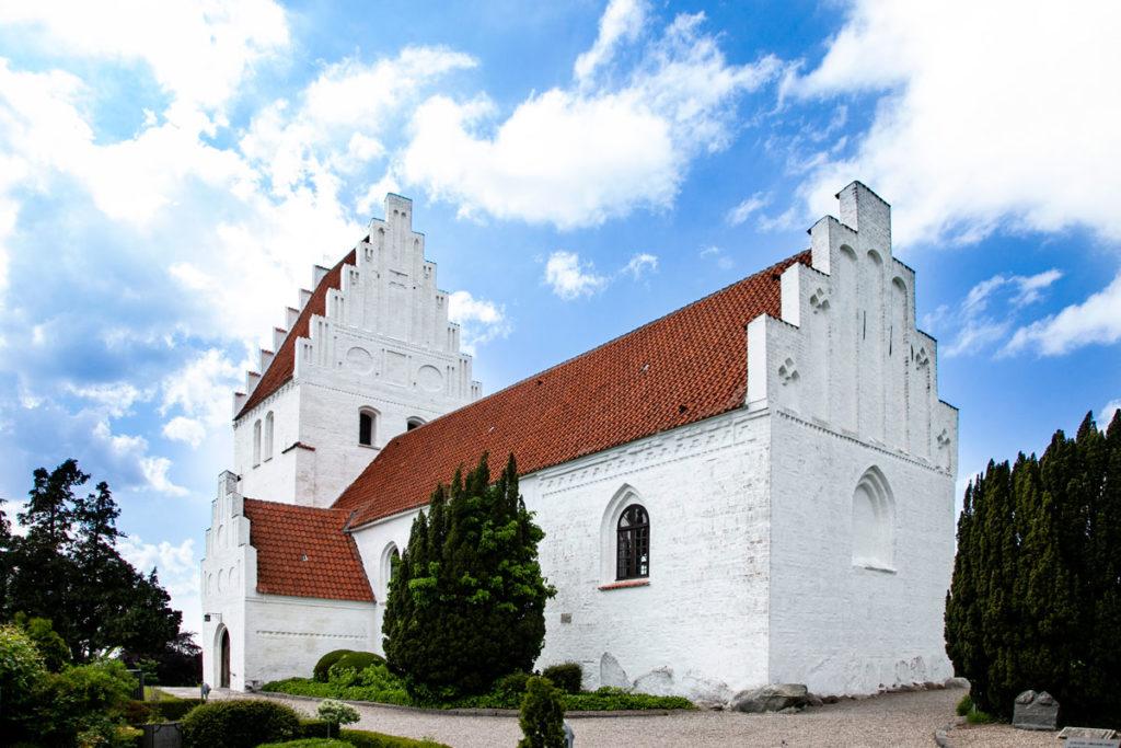 Chiesa di Elmelunde con affreschi di Elmelund
