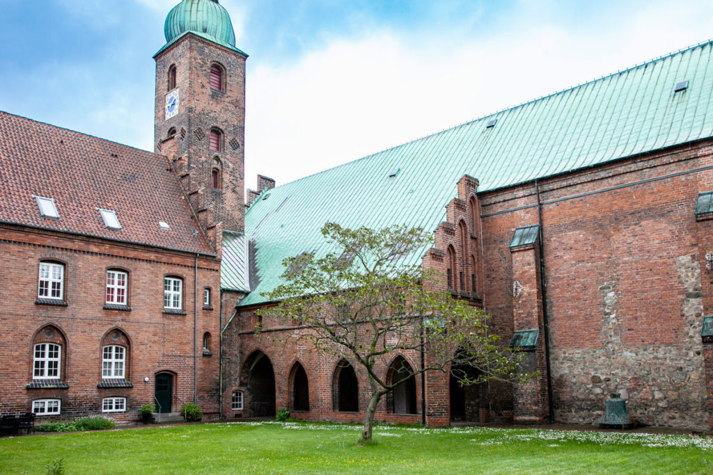 Chiostro interno del monastero collegato alla Vor Frue Kirke