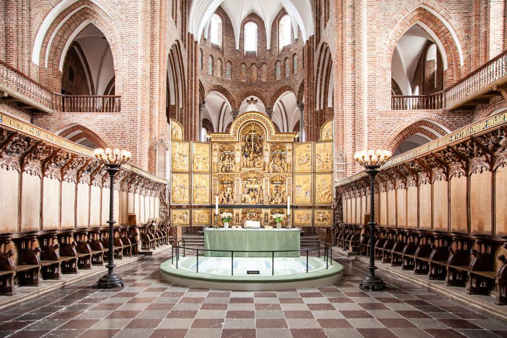 Coro dei Canonici con stalli in legno