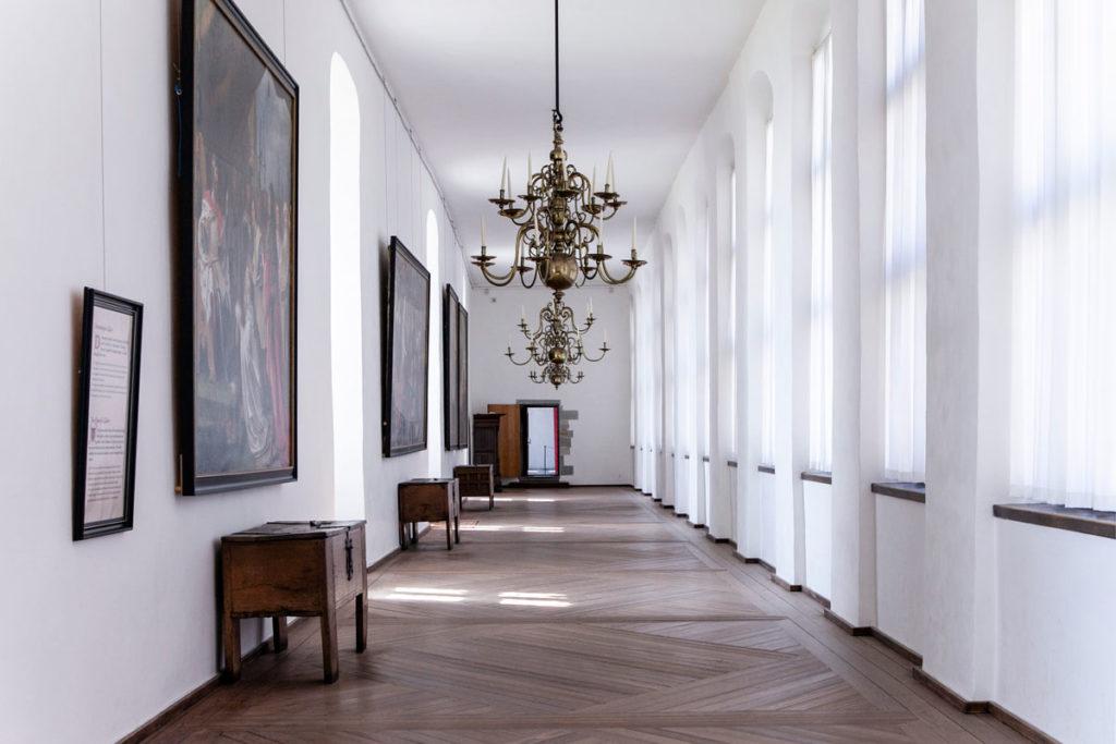 Corridoio verso la sala da ballo riservato alle donne