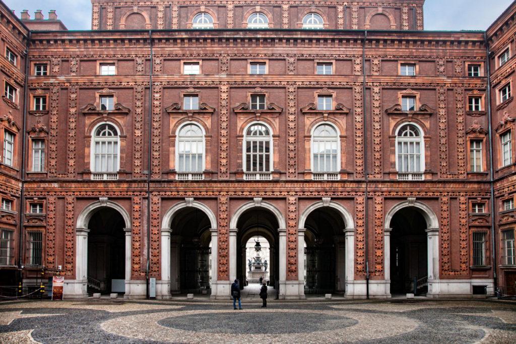 Cortile Interno di palazzo Carignano - Torino