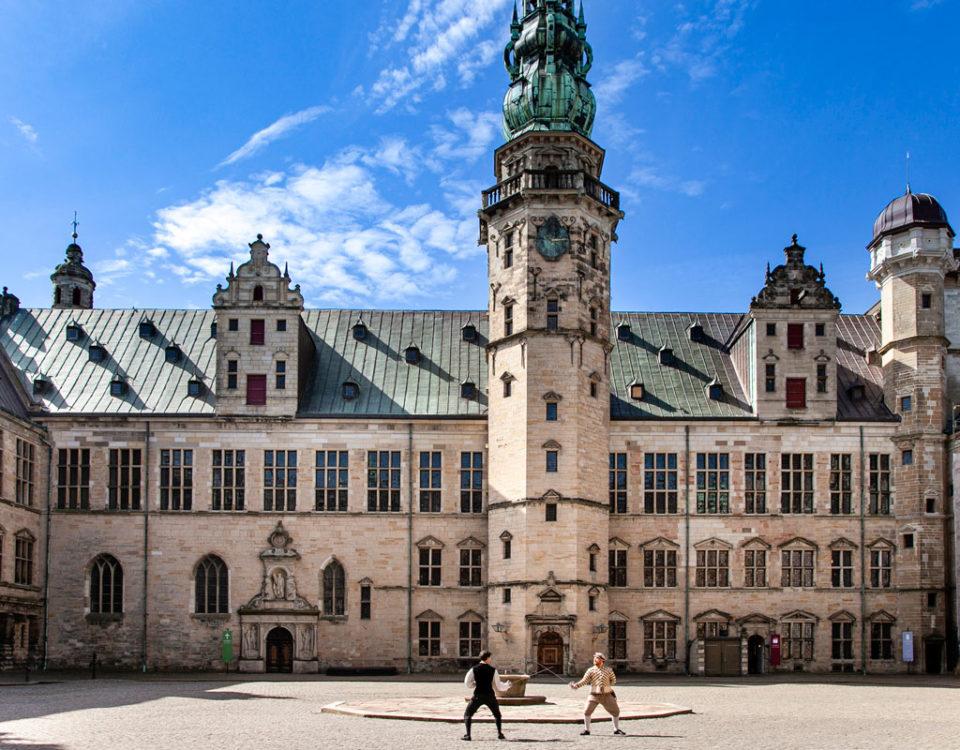 Cortile interno di Kronborg Slot con Rappresentazione di Amleto