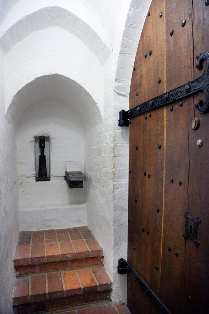 Dettaglio del sollevamento della chiesa di Santa Caterina
