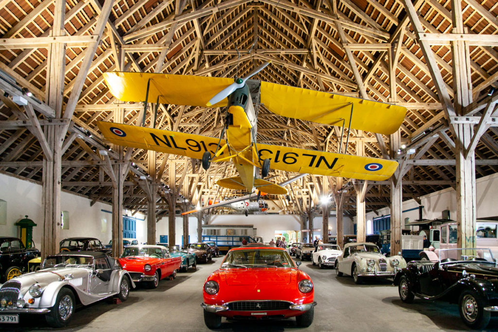 Esposizione su automobili storiche e aeroplani - Castello di Egeskov