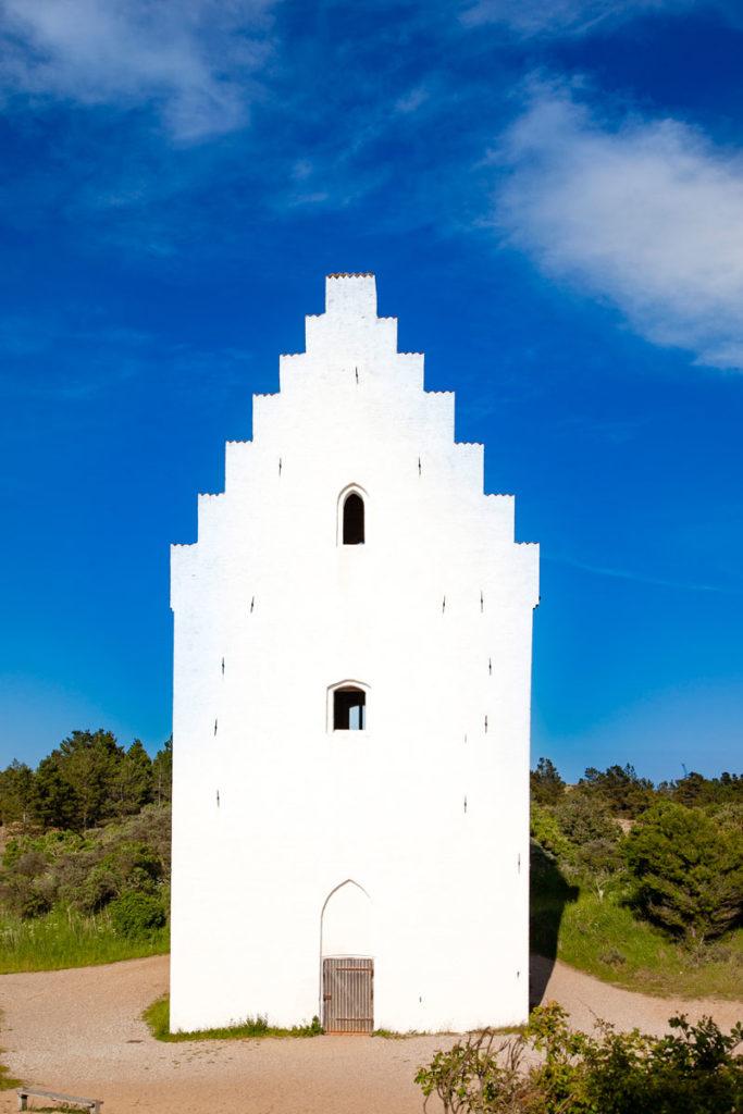 Facciata Esterna del Campanile della Den Tilsandede Kirke - Chiesa nella Sabbia di Skagen