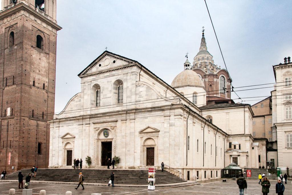 Facciata Esterna del Duomo di Torino e Cupole