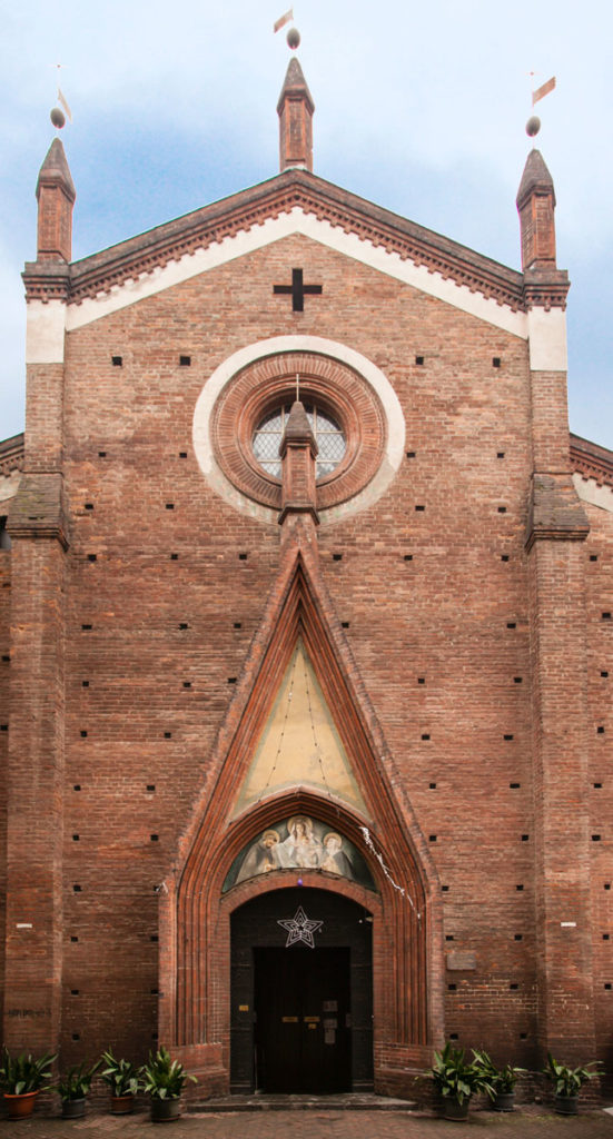 Facciata della Chiesa di San Domenico - unico edificio gotico di Torino