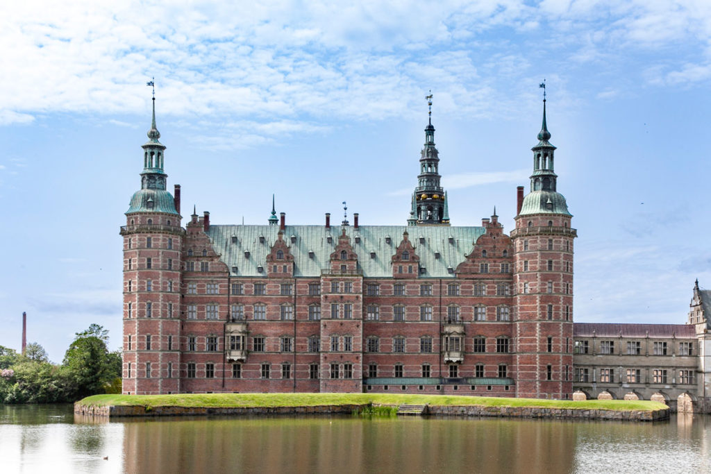 Frederiksborg Slot - Castello nel lago della Selandia