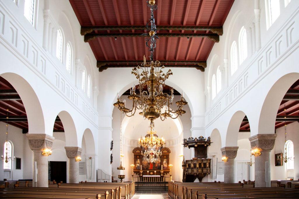 Interni della Vor Frue Kirke di Aalborg