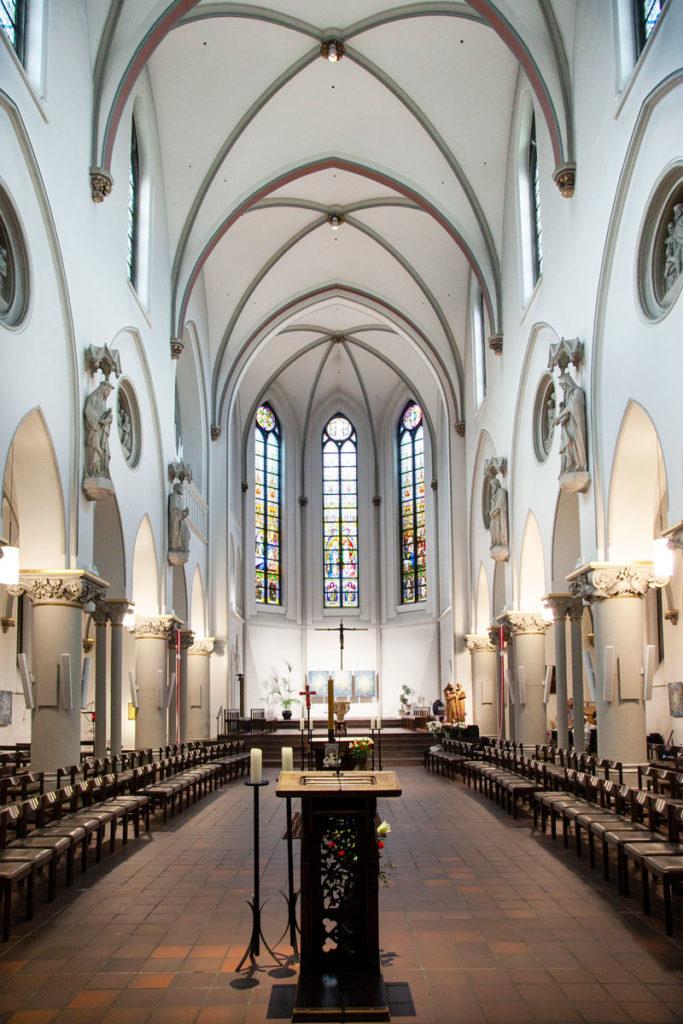 Interni della chiesa cattolica della Nostra Signora