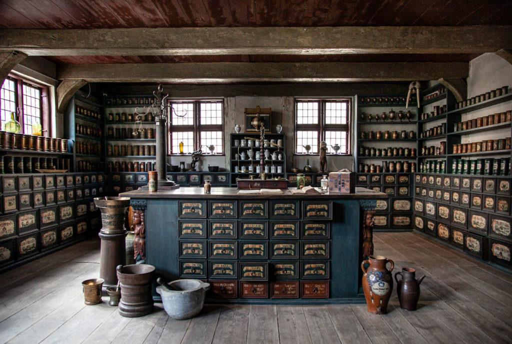Interni di una farmacia del settecento - Quartiere storico Den Gamle By - Aarhus