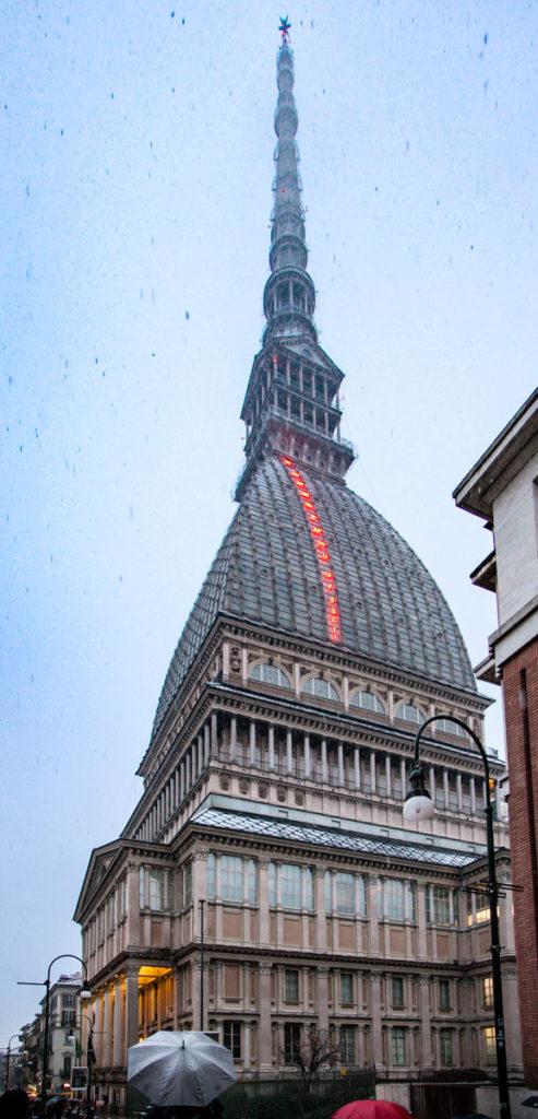 Mole Antonelliana e serie di fibonacci sul tetto - Cosa Vedere a Torino