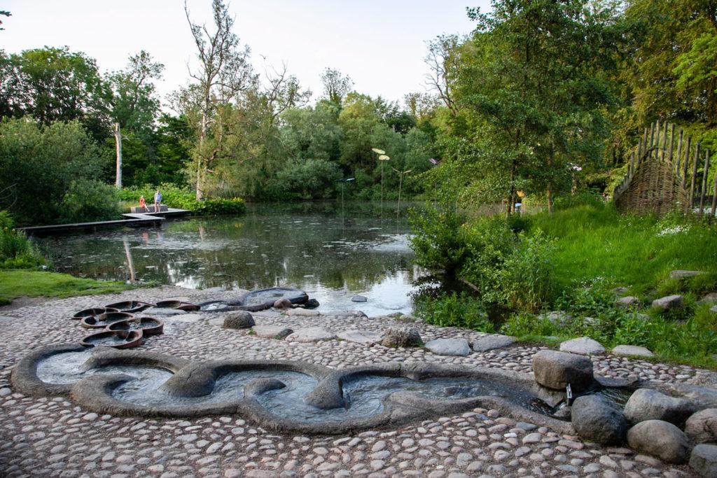 Monks Mose - Parco di Odense con sculture di animali e fontana