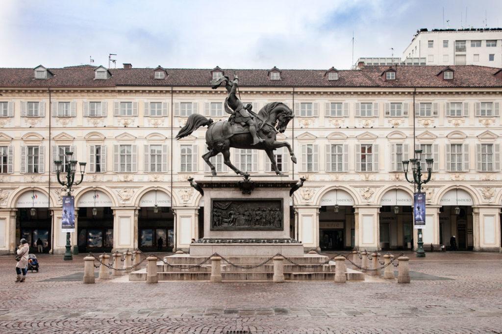 Monumento Equestre a Emanuele Filiberto di Savoia in Piazza San Carlo