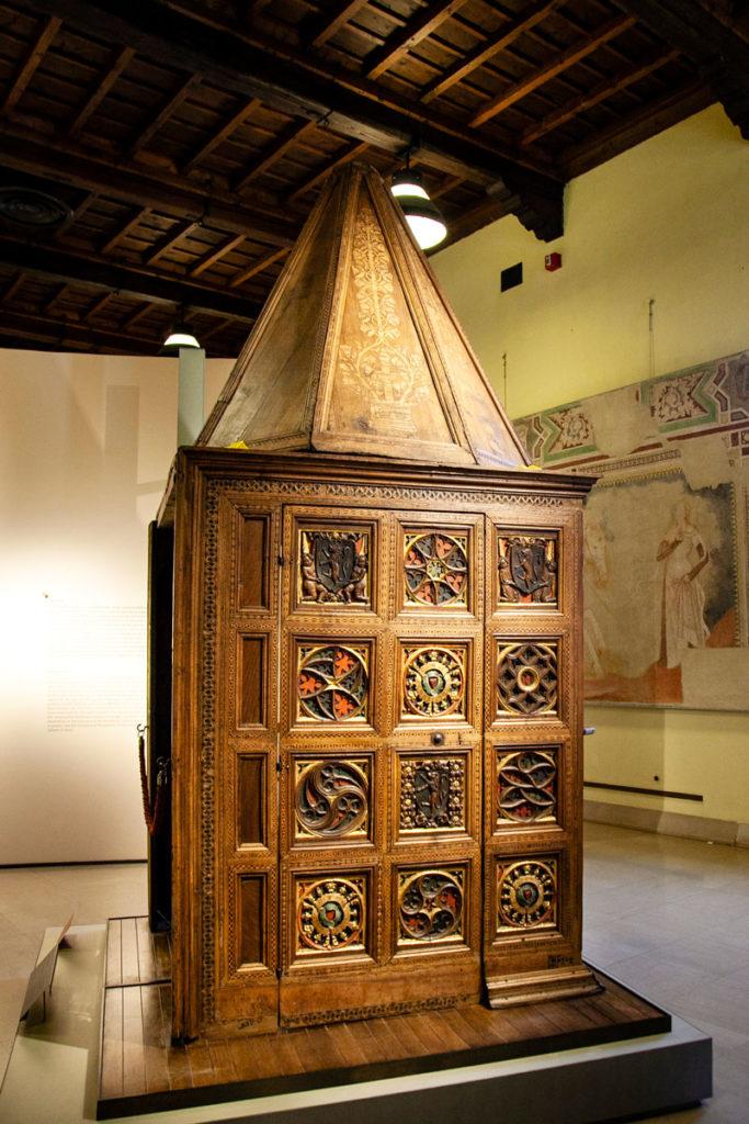 Museo dei mobili del Castello Sforzesco di Milano - Mobile Intagliato in legno