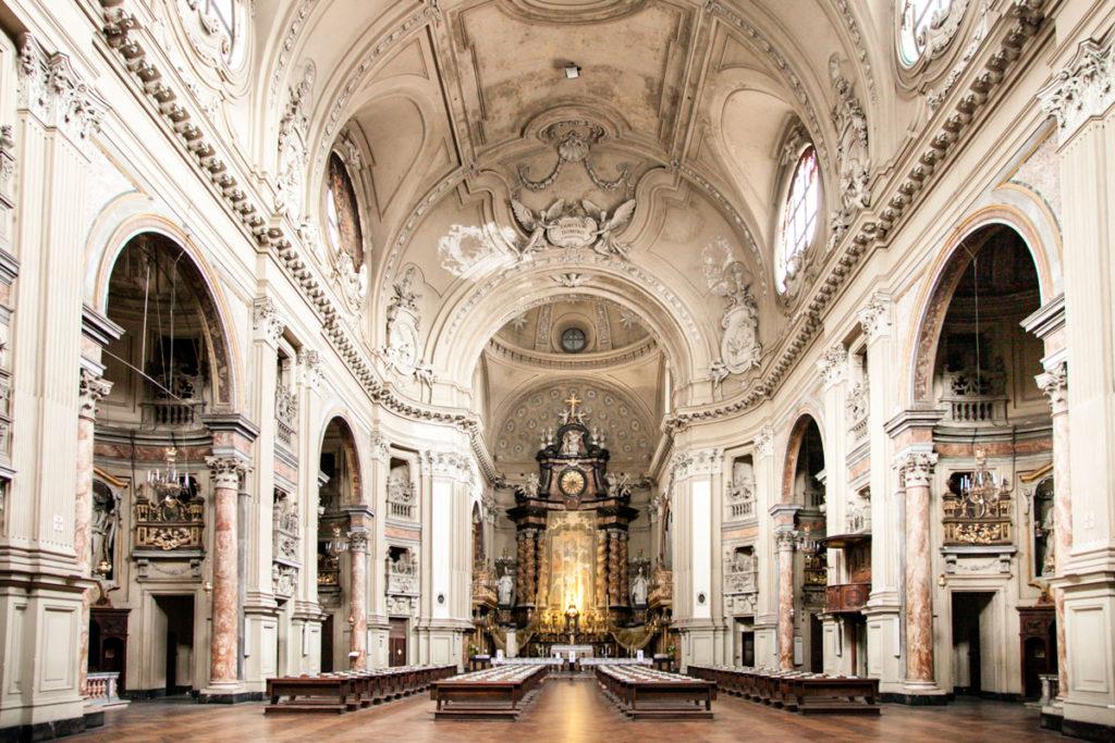 Navata Interna della Chiesa di San Filippo Neri con Cupola - Torino