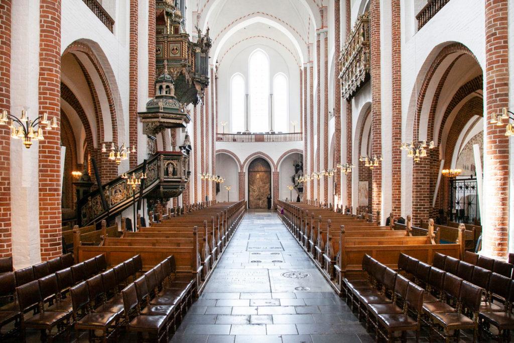 Navata Principale della Cattedrale di Roskilde - Verso il Portale del Re