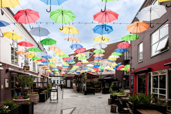Norregade - via dei locali con ombrelli - Vejle
