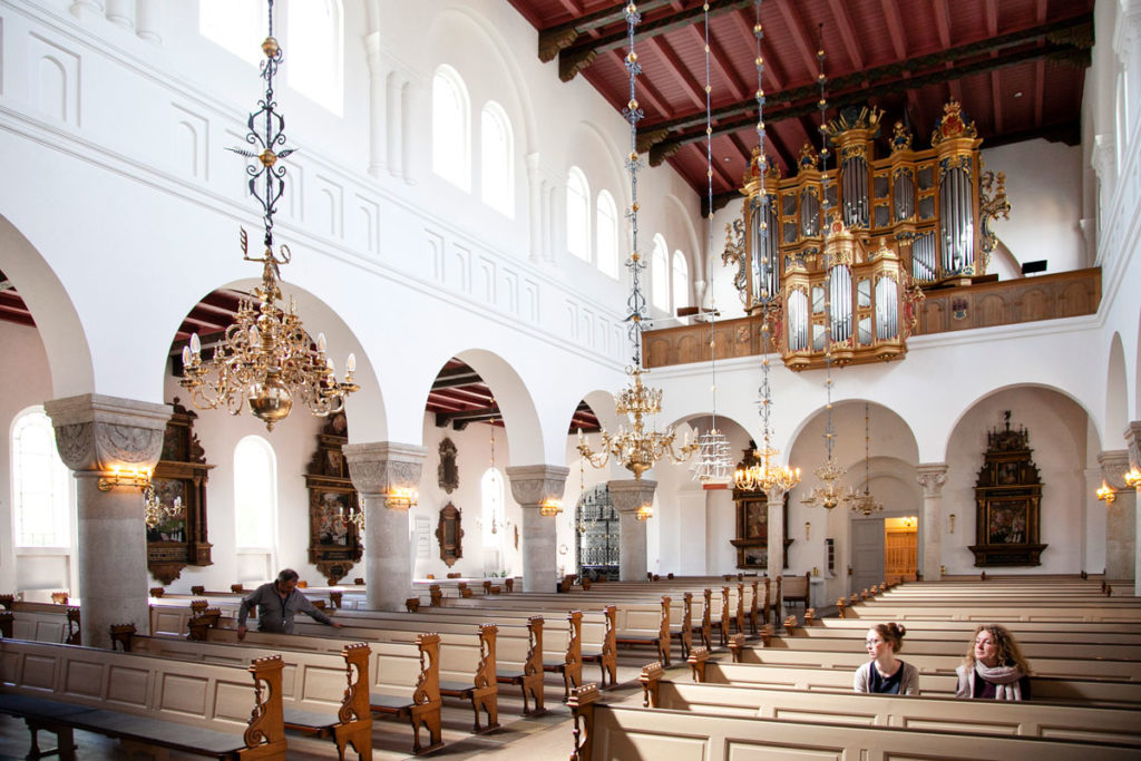 Organo e panche della Vor Frue Kirke