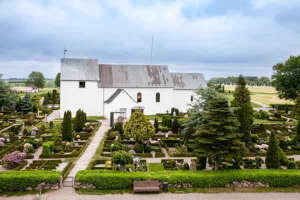 Panorama sul cimitero - la chiesa e le pietre runiche di Jelling