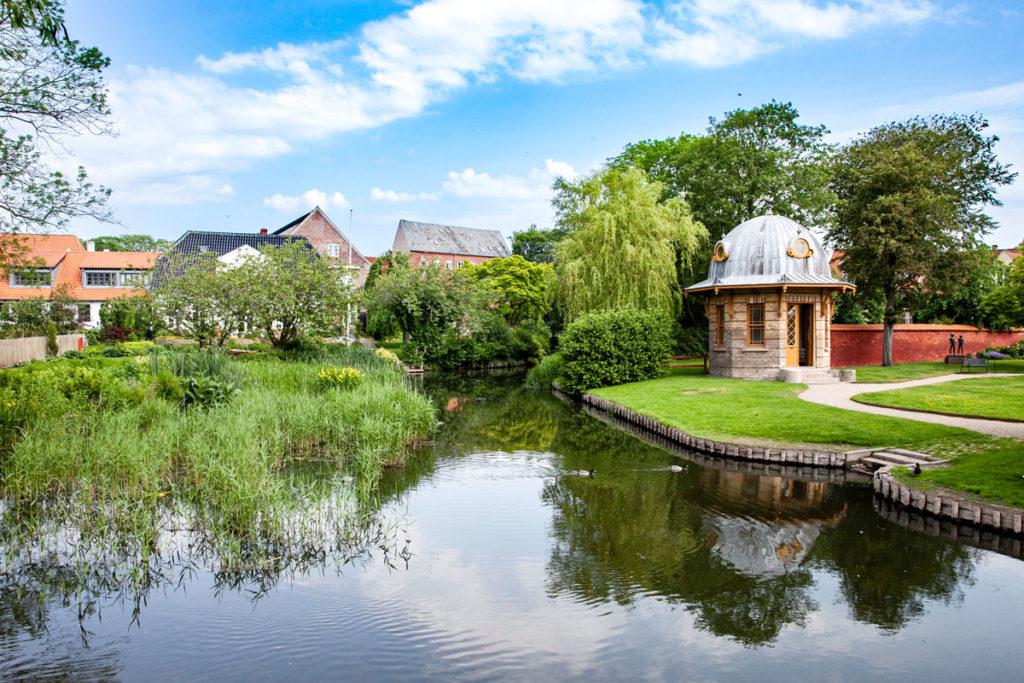 Parco fluviale del museo di arte della città
