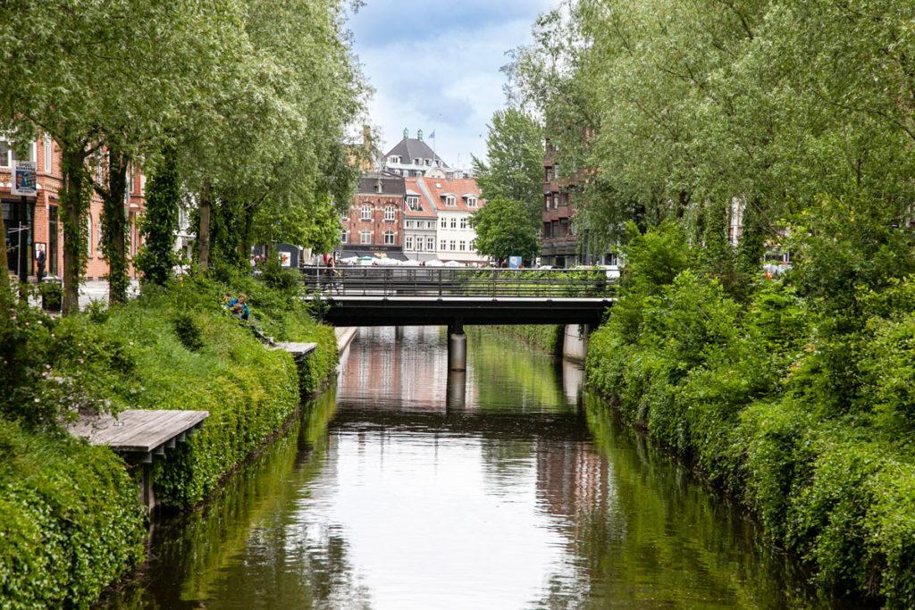 Passeggiata sul fiume di Aarhus