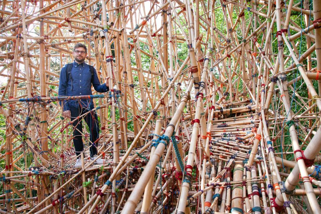 Passeggiata sulla torre di canne di bambù - Landing Art