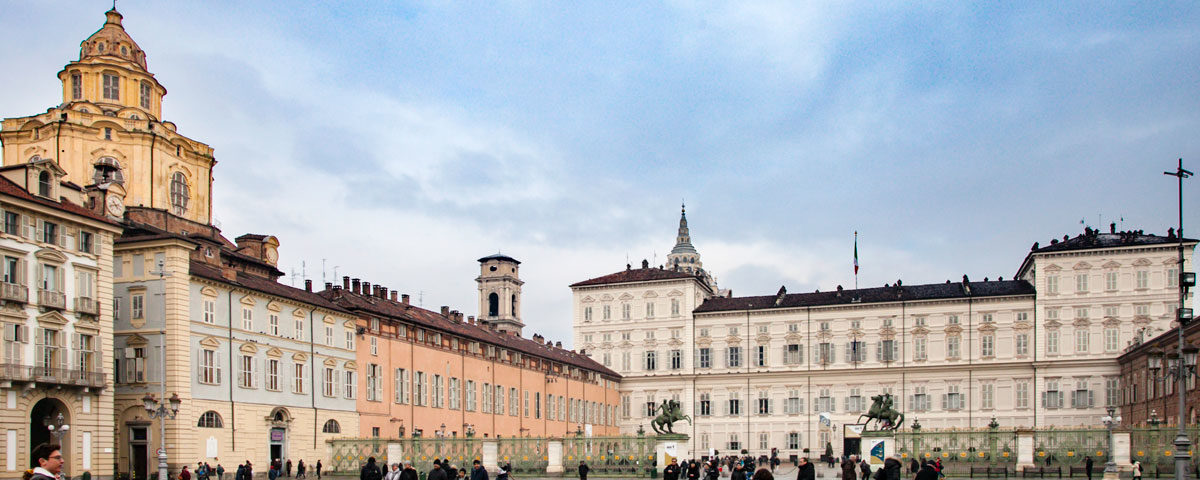 Piazza Castello di Torino e i suoi palazzi storici