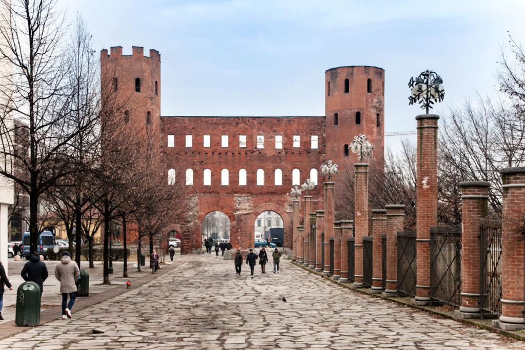 Porta Palatina - Antico Ingresso al centro di Torino