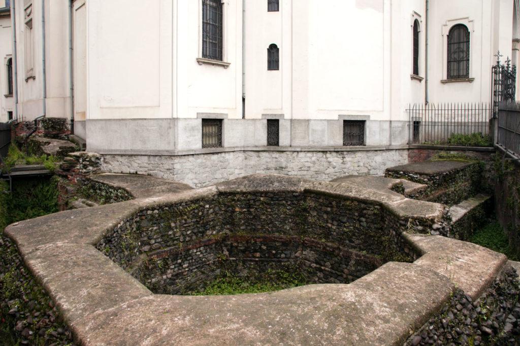 Resti della costruzione romana del Santuario della Consolata