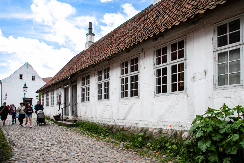 Retro delle botteghe artigiane in Den Gamle By