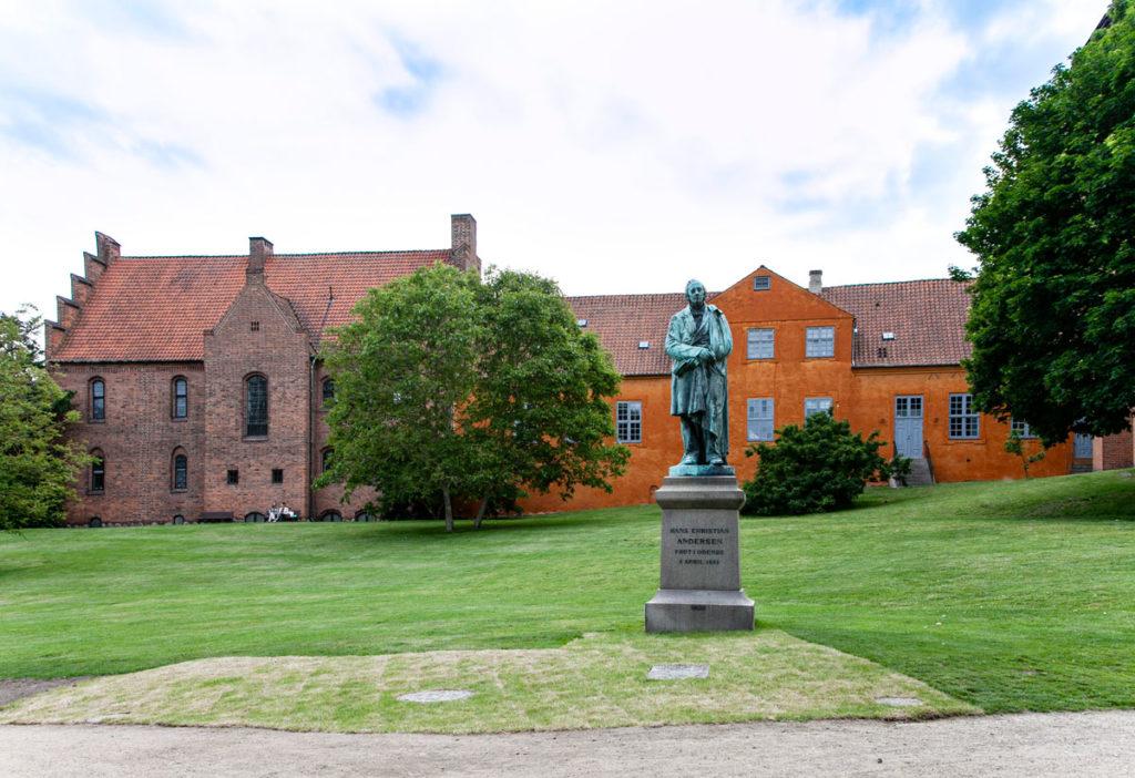 Statua di Andersen nell'omonimo parco di Odense