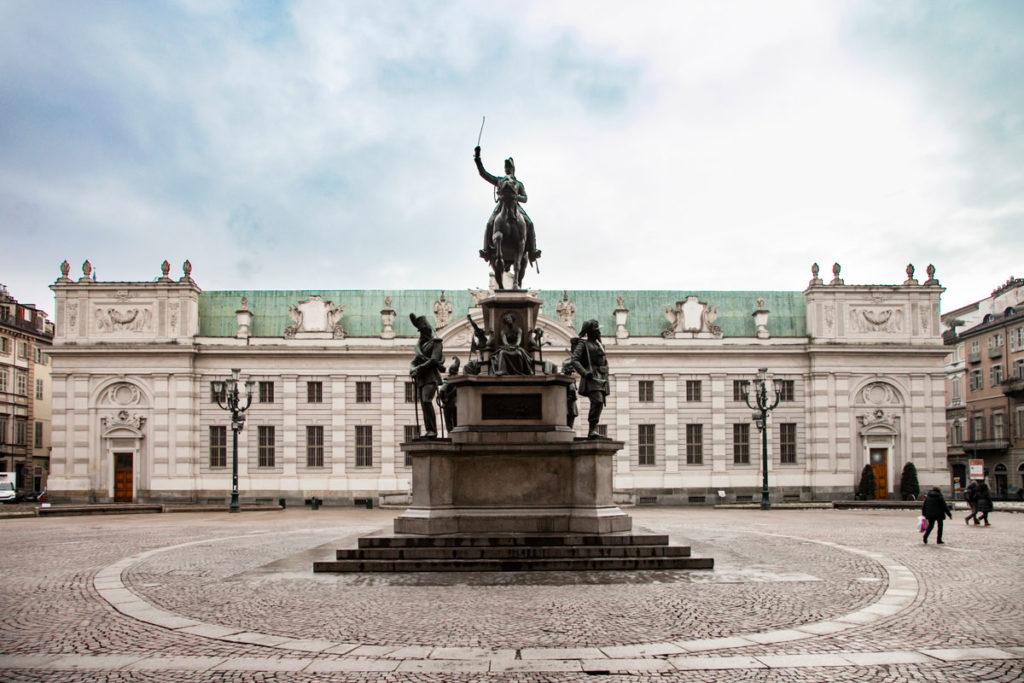 Torino - Piazza Carlo Alberto - Monumento equestre di Carlo Alberto e Biblioteca Nazionale di Torino