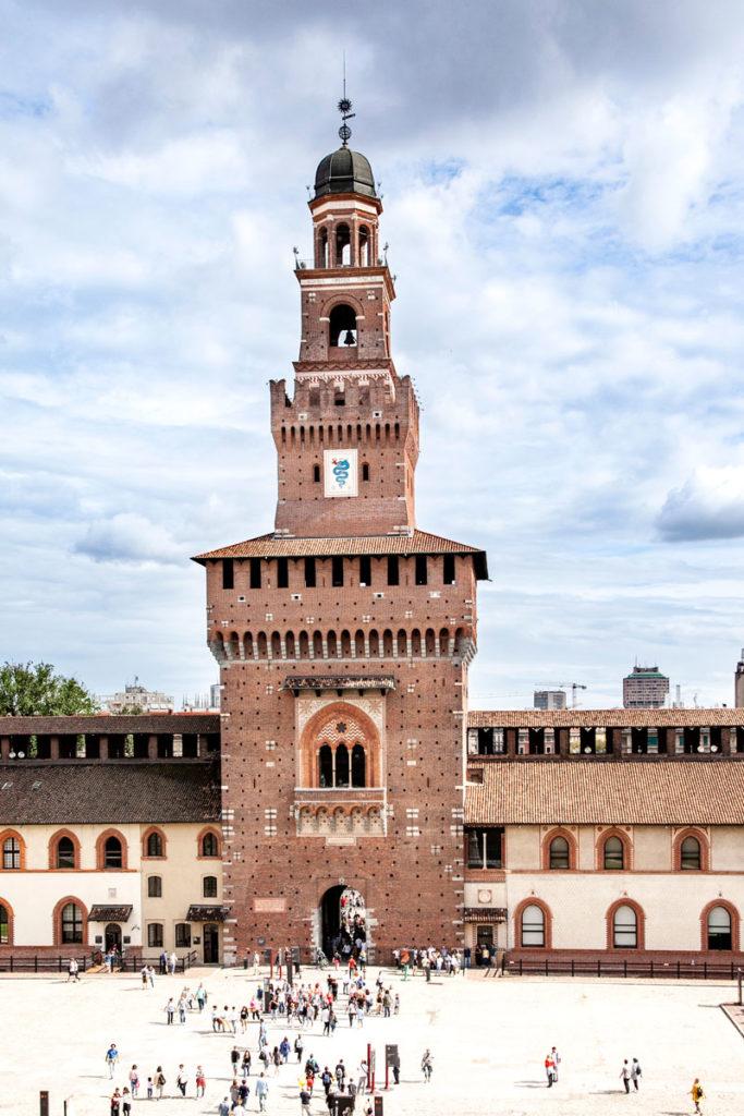 Torre del Filarete dal cortile d'onore