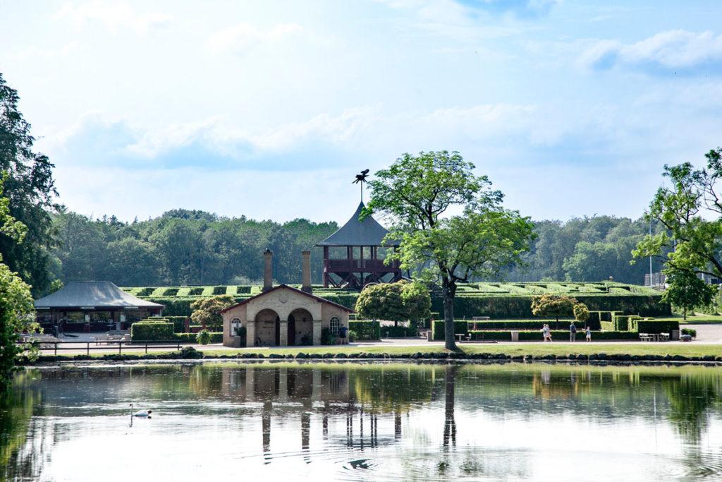 Torretta e Labirinto nel parco del Castello di Egeskov
