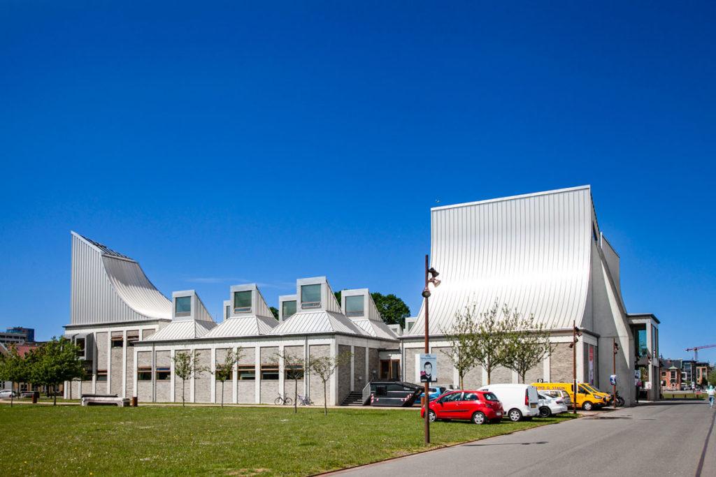Utzoncenter - Architettura contemporanea sul lungomare