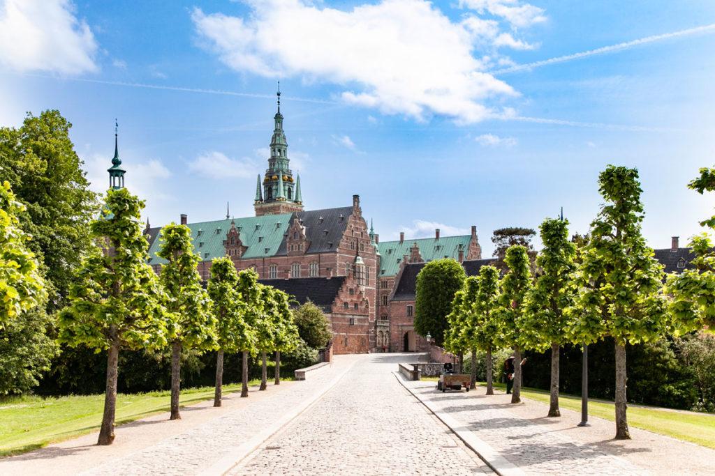 Viale Alberato verso il Castello Frederiksborg - Danimarca